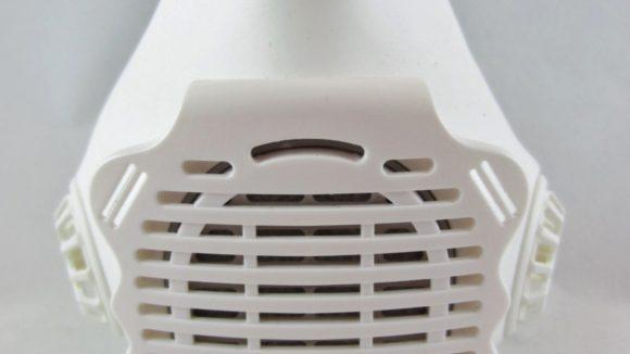 Mask filters pollutants