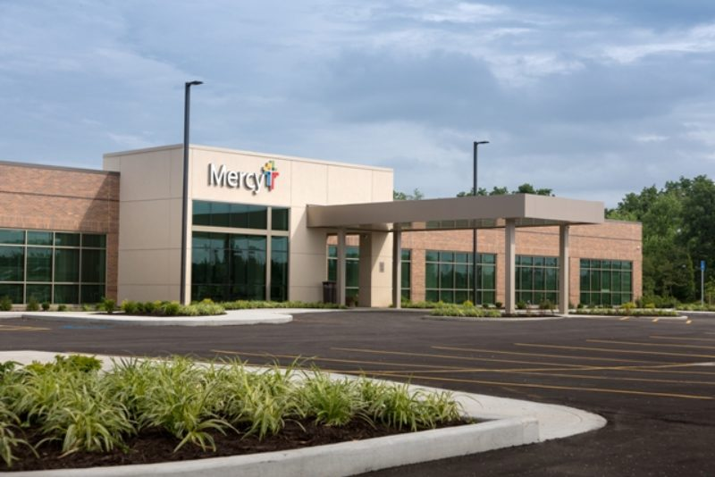 Archimages Inc Designed Mercy Clinic Internal Medicine With A Metal Building System Roof And Wall Panels American Co Supplied Its