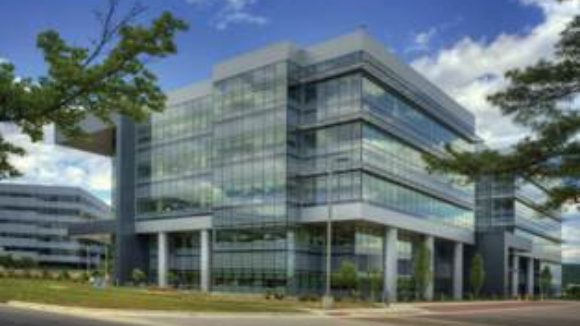 ACM clads NASA building Low-emissivity glass deflects heat