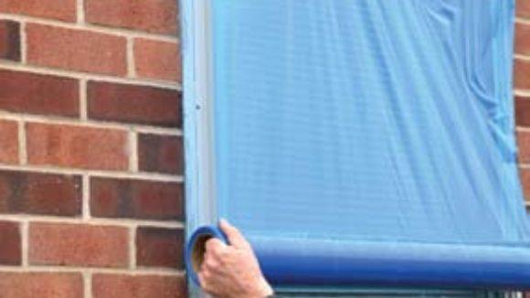 Plastic barrier clarifies glazing guard