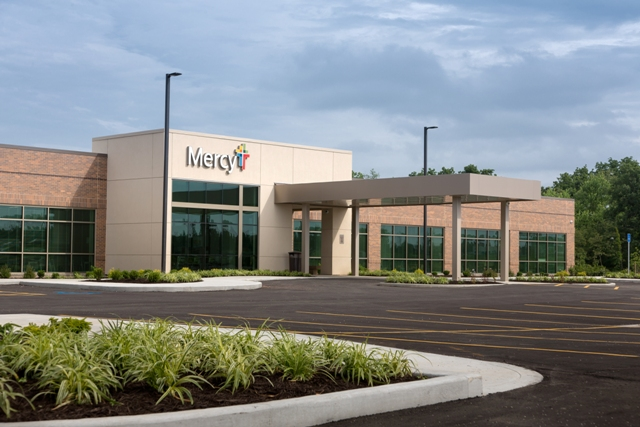 Archimages Inc. designed Mercy Clinic Internal Medicine with a metal building system, metal roof and metal wall panels.